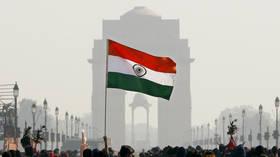 FILE PHOTO: India Gate in New Delhi © Reuters / Adnan Abidi