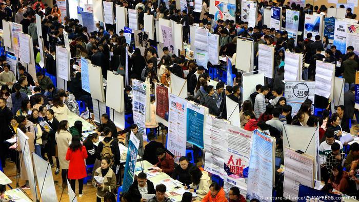 China job fair (picture-alliance/ZUMAPRESS.com/TPG)