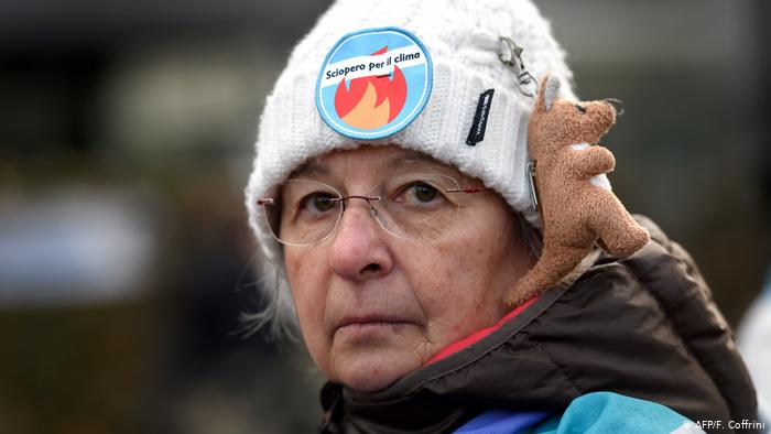Climate protest march to Davos begins (AFP/F. Coffrini)