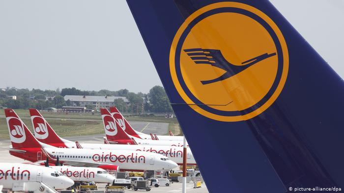 Air Berlin, Lufthansa airplanes (picture-alliance/dpa)