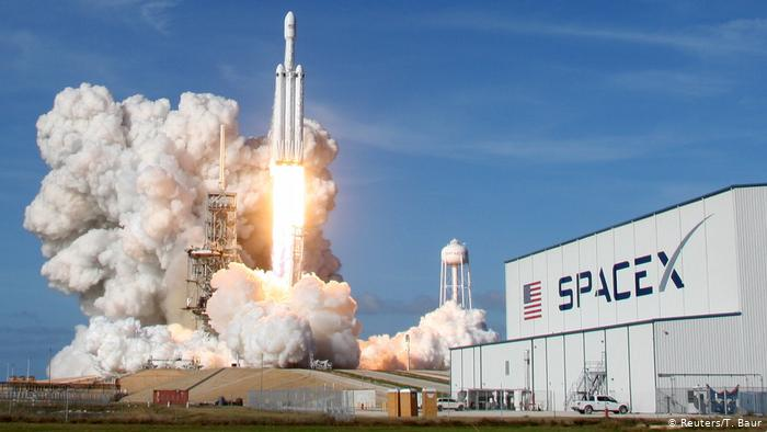 SpaceX Falcon Heavy Rakete am Kennedy Space Center in Cape Canaveral (Reuters/T. Baur)